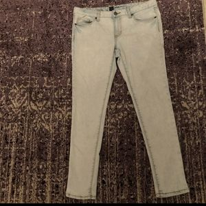 Mossimo Light-wash Blue Jeans Ankle Skinny Size 10